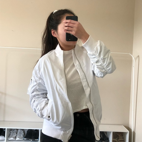 Zara Jackets & Blazers - SOLD ON MERC White ruched bomber